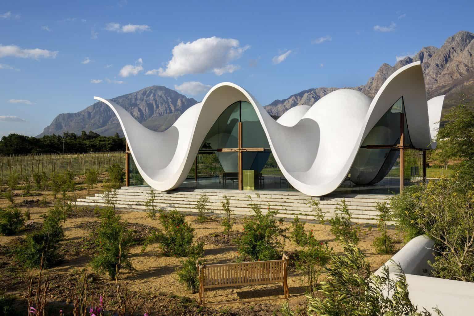 Amazing-chapel-and-view-at-bosjes-estate-002